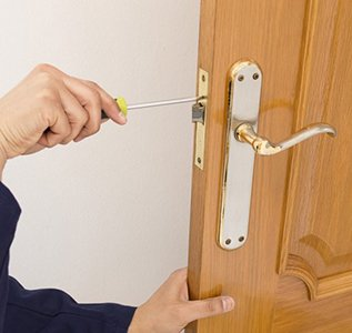 Locksmith Key Store Shawnee, KS 913-364-2651
